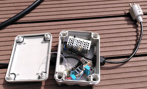 AC to DC supply with mains Schuko plug